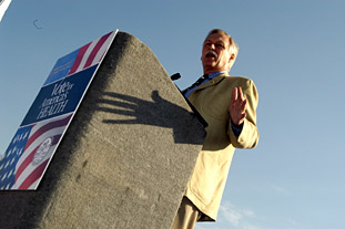 Photo: Congressman Snyder, who practiced in family medicine in central Arkansas for over 15 years, spoke at the Academy of Family Physicians rally in Washington September 27, 2006.