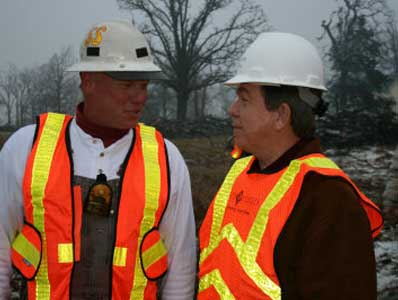 thumbnail image: Blunt Meeting with Workers after MO ice storm