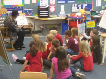 Rep. Edwards Reads to Students at Laytonsville Elementary School