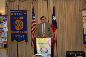 Congressman Olson speaks to the Sugar Land Rotary