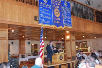 Congressman Olson speaks to the Alvin Rotary